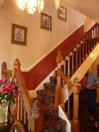 Ingleside Hotel: The stairway up to the rooms