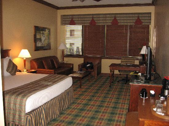 Inn at the Ballpark: Our room