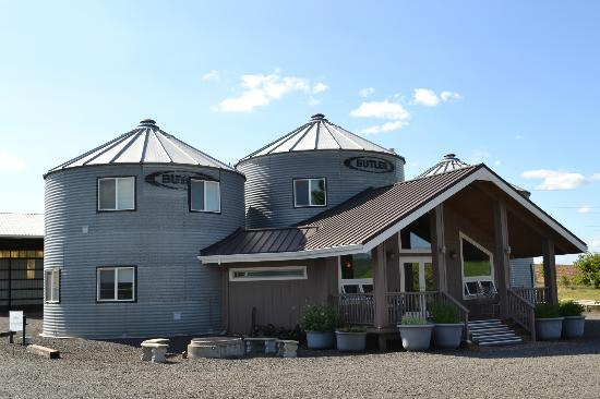 Abbey Road Farm B&amp;B: Silo Suites