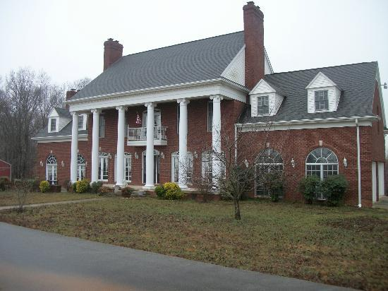 Wildwood Manor Bed and Breakfast