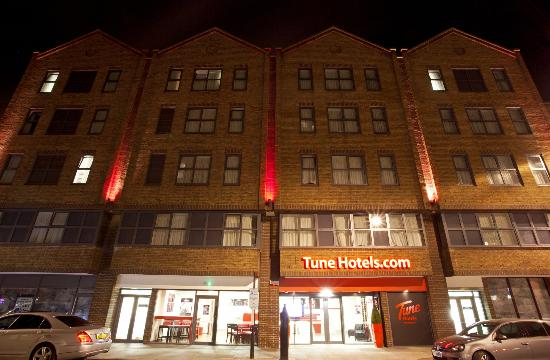 Tune Hotel - Paddington