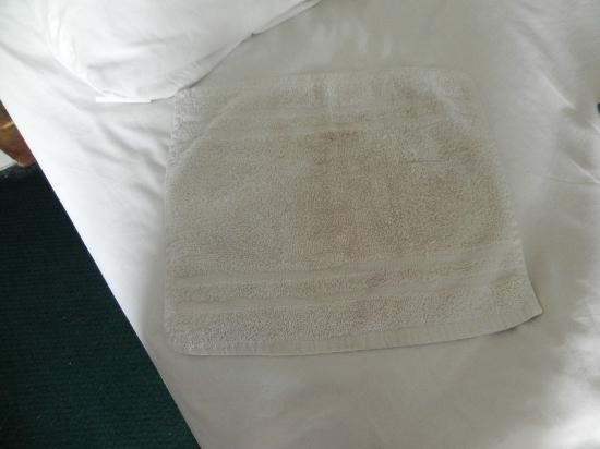 Americas Best Value Inn Ronks : clean wash cloth 