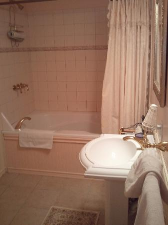 Pine Island, NY: Gala Suite Bathroom