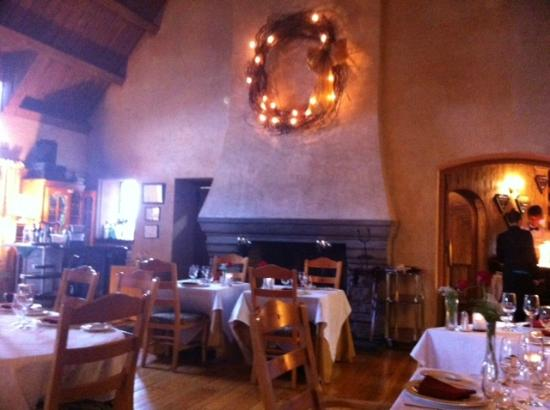 The French Manor Inn and Spa: Fantastic dining room for dinner