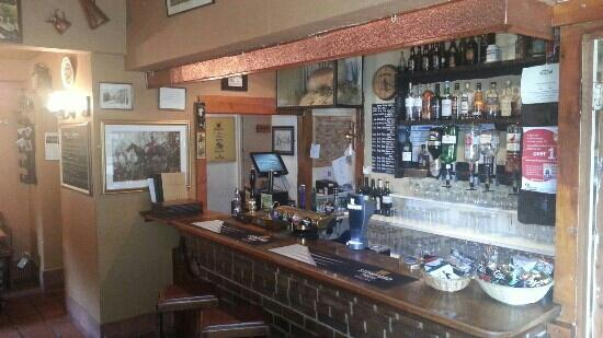 Coachman Inn: bar
