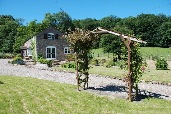 Morville, UK: getlstd_property_photo