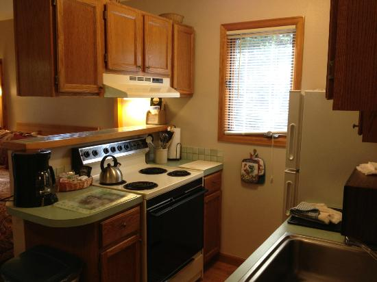 Streamside on Fall River: kitchen