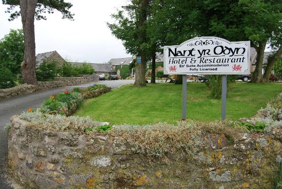 Nant Yr Odyn Country Hotel &amp; Restaurant Ltd: Entrance to Hotel