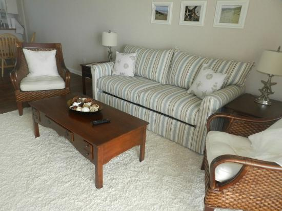 Bodie Island Resort: Living Room
