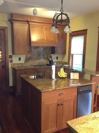 Winona Lake, IN: Kitchen