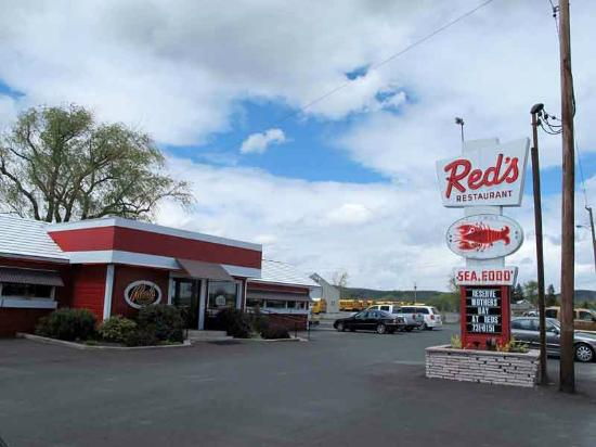 West Coxsackie, Nowy Jork: Red's A View From Parking Lot