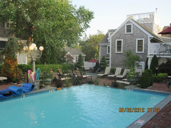 Brass Key Guesthouse: A view of the pool.