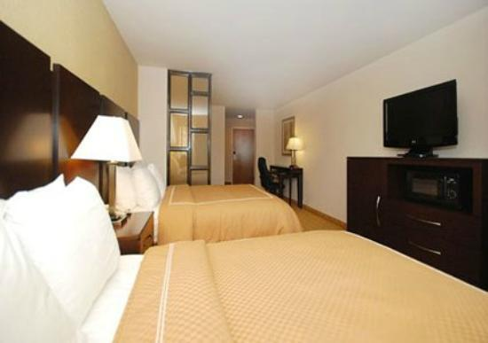 Comfort Suites Commerce: Double Queen Suite