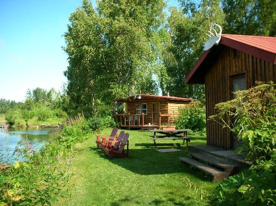 Alaska Fishing Lodge - Wilderness Place Lodge: Our Cabin by the River