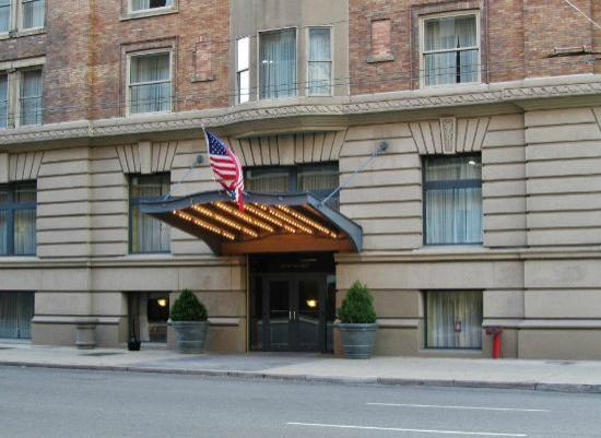 Dayton Grand Hotel: Main Entrance