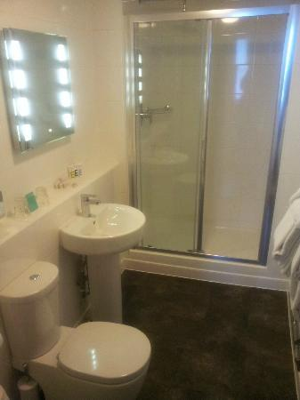 Mercure Nottingham City Centre Hotel: Bathroom