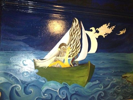 St. Ives Backpackers: The highlight of our bedroom mural