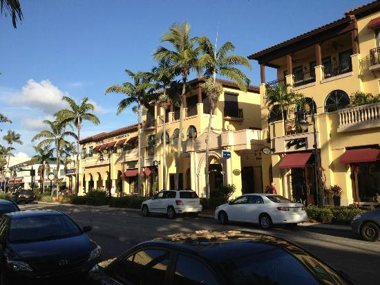 Fifth Avenue South Naples FL Address Phone Number
