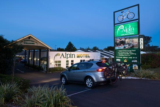 ‪Alpin Motel and Conference Centre‬