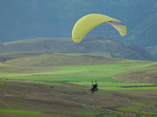 Sol & Luna Lodge & Spa: Paragliding