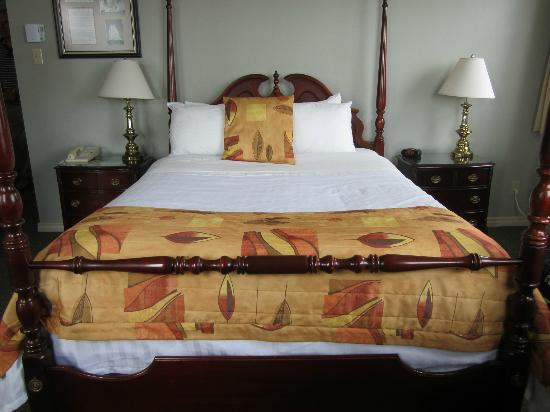 Brigantine Inn: Room Bluenose