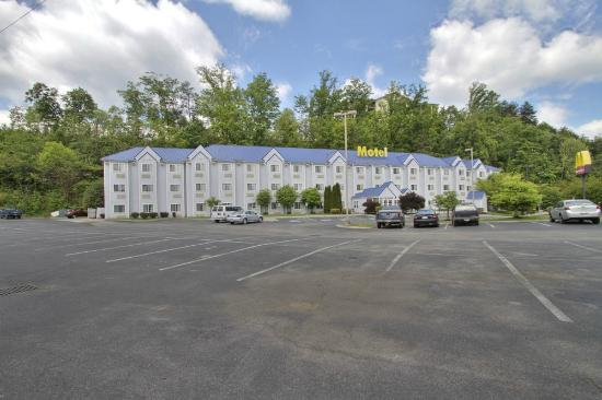 Guesthouse International Inn Pigeon Forge Photo