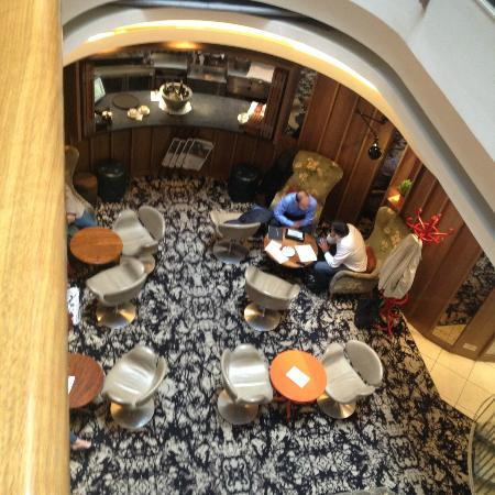 The Zetter Hotel: Looking down to the Lobby Bar from the First Floor