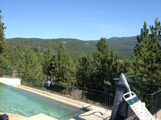 Bigfork Mountain Lake Lodge: view from the hot tub