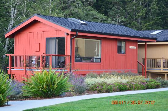 Cottages at Little River Cove : Farallon Cabin