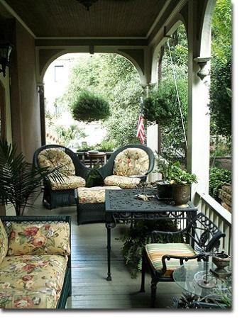 Zeigler House Inn: Quintessential Southern Porch
