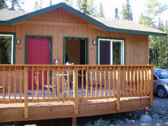 McKinley Creekside Cabins: Outside of Cabin 35
