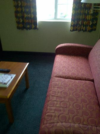 MainStay Suites: sitting area
