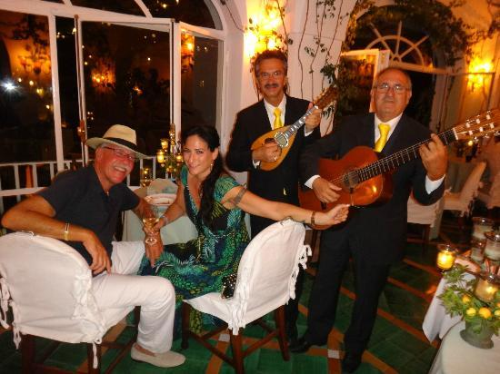 Le Sirenuse Hotel: Dinner and the band