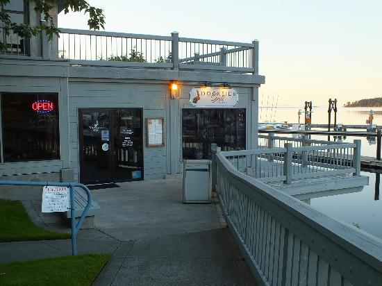 Holiday Inn Express Hotel & Suites North Sequim: The Dockside grill, John Wayne Landing