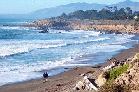 Cambria, CA: Moonstone Beach...a favorite spot for visiting with other nature lovers along Moonstone Beach