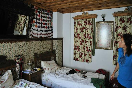 Homeros Pension & Guesthouse: chambre 3 lits