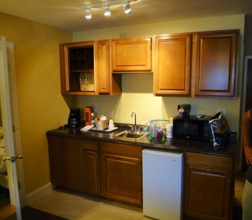Yarmouth Resort: kitchenette