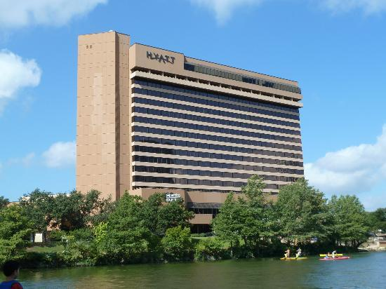 Hyatt Regency Austin: The hotel from the boat.