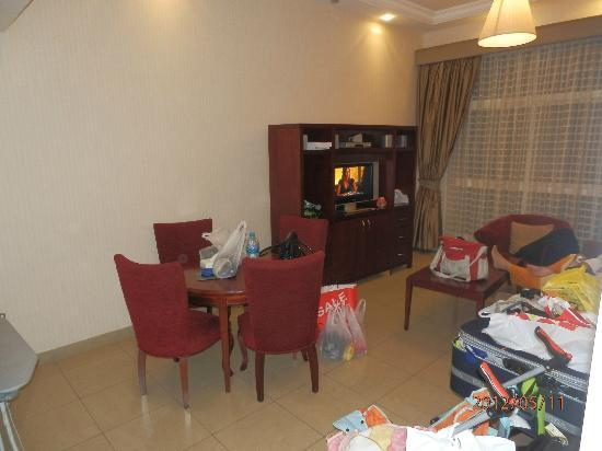 Ascot Hotel Apartment: The Lounge+Dinniing (View 1)