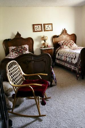 Big Bear Bed & Breakfast: Toklat Room