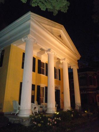 The Fox Inn Bed & Breakfast: The dramatic Greek Revival front facade of the Inn