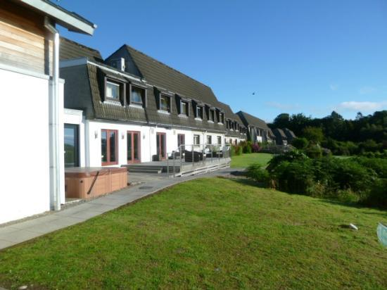 Isle of Mull Hotel & Spa: Front of the hotel.