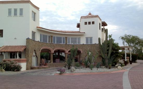 Los Cabos Golf Resort: Front of resort main area