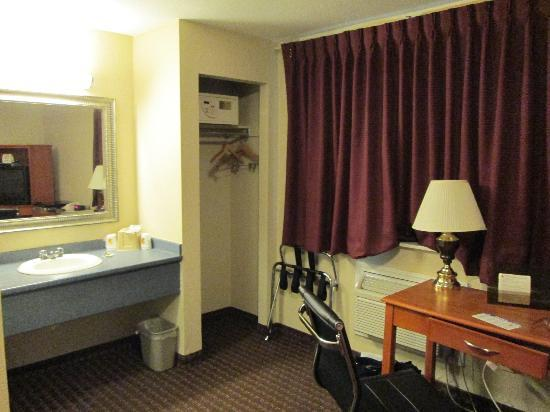Super 8 Watertown/Cambridge/Boston Area: Room at Super 8 Watertown, MA
