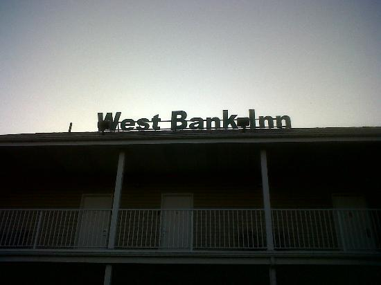 West Bank Inn 사진