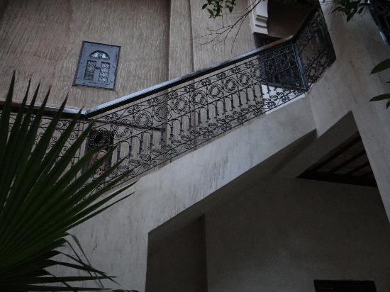 Riad Palmier: up to the bedrooms