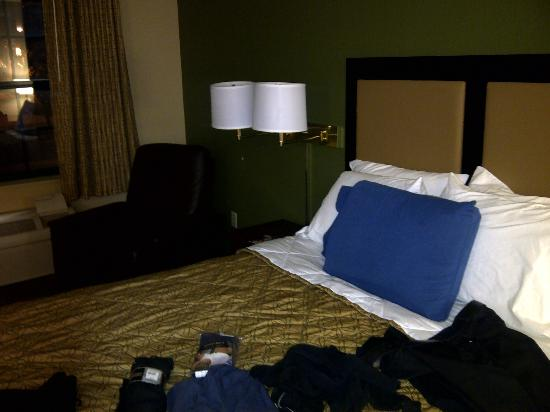 Extended Stay America - Los Angeles - Ontario Airport: nicest mini recliner I've ever sat in