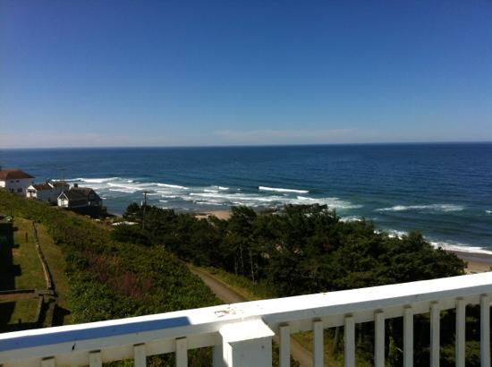 The Edgecliff Motel: view from top of stairwell next to room 110