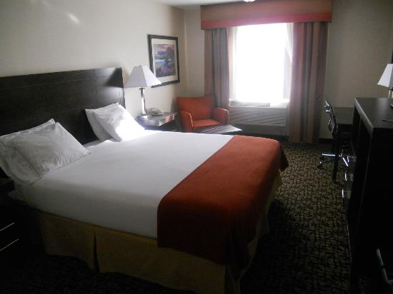 Holiday Inn Express Oakdale: Another view of room