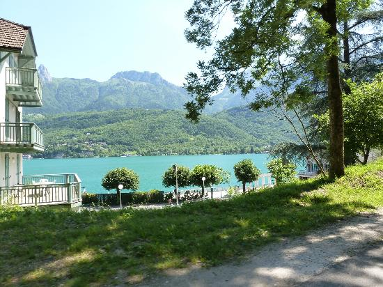 Tour du lac d'Annecy: More spectacular scenery